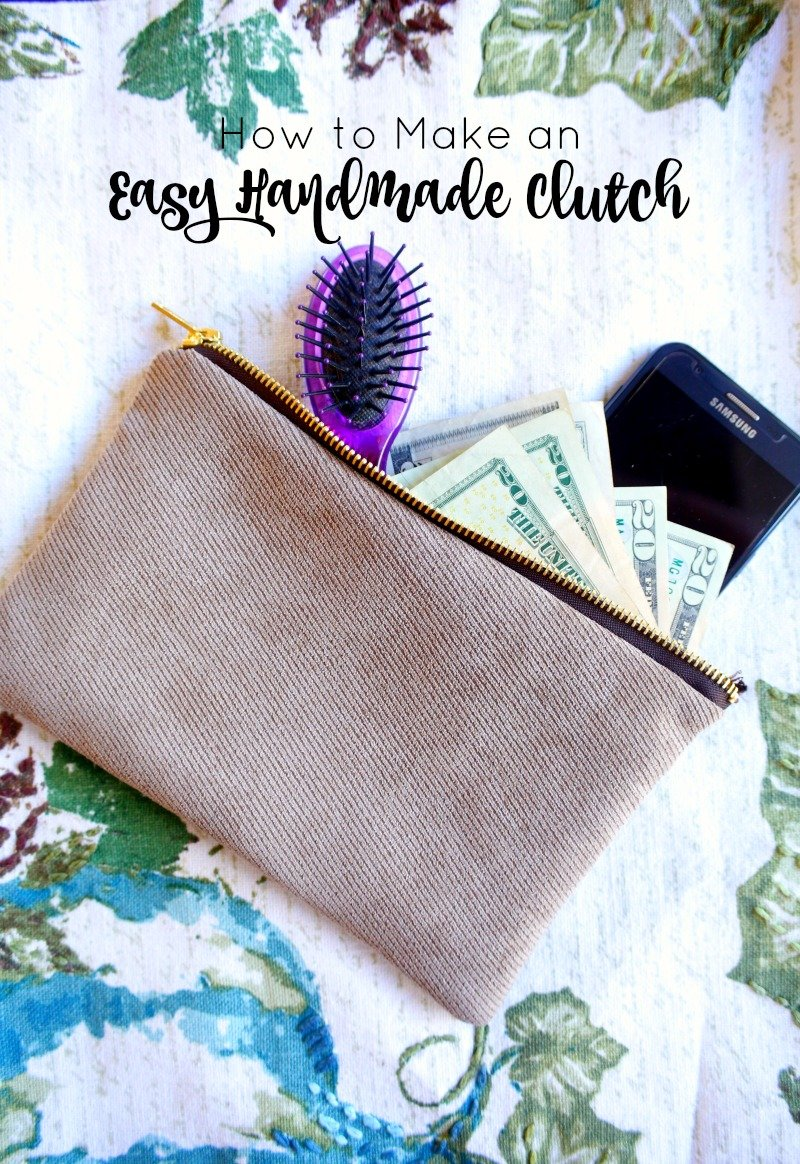 Here's a quick and easy tutorial for making a handmade clutch - perfect for gift giving this holiday season #HandmadeHolidays