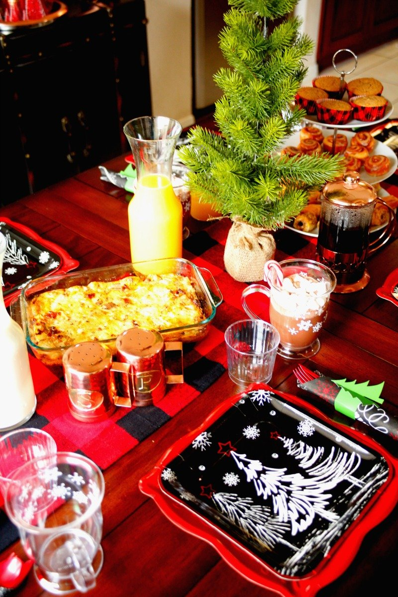 Do Christmas morning breakfast the easy way with a egg and sausage casserole and  beautiful but disposable paper plates, cups, napkins, and cutlery! #orientaltrading