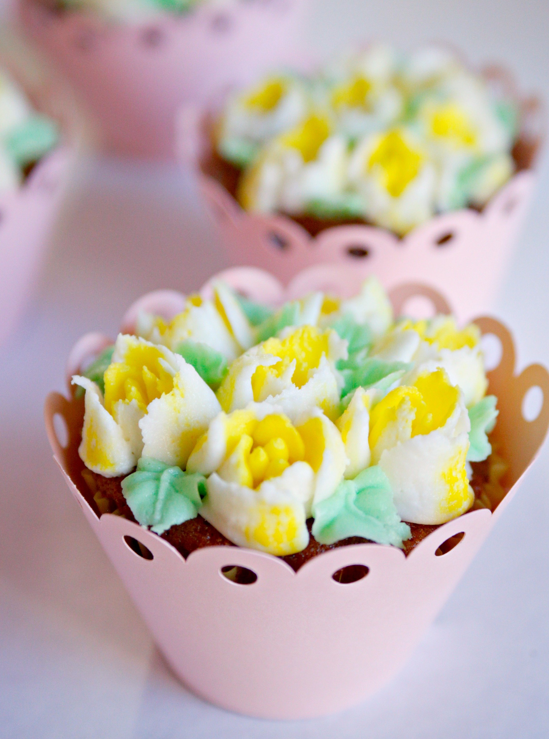 Easy Cupcake Bouquet With Russian Piping Tips Tutorial Jordans