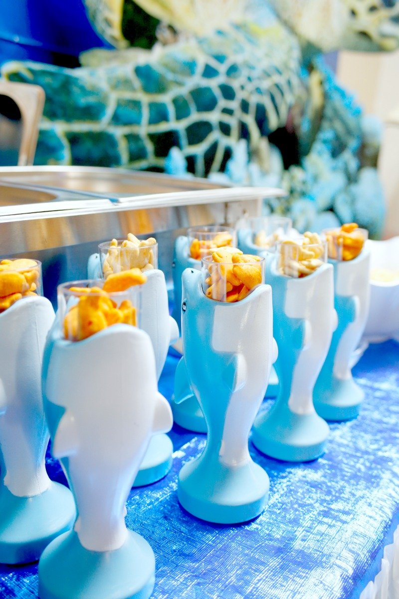 The cutest shark cups ever from Oriental Trading Company! Perfect for serving snacks at a fintastic shark party #OrientalTrading #sharkparty
