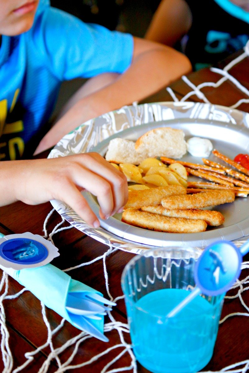 Ocean themed kid friendly food served at a fun and affordable shark party! #sharkparty #orientaltrading