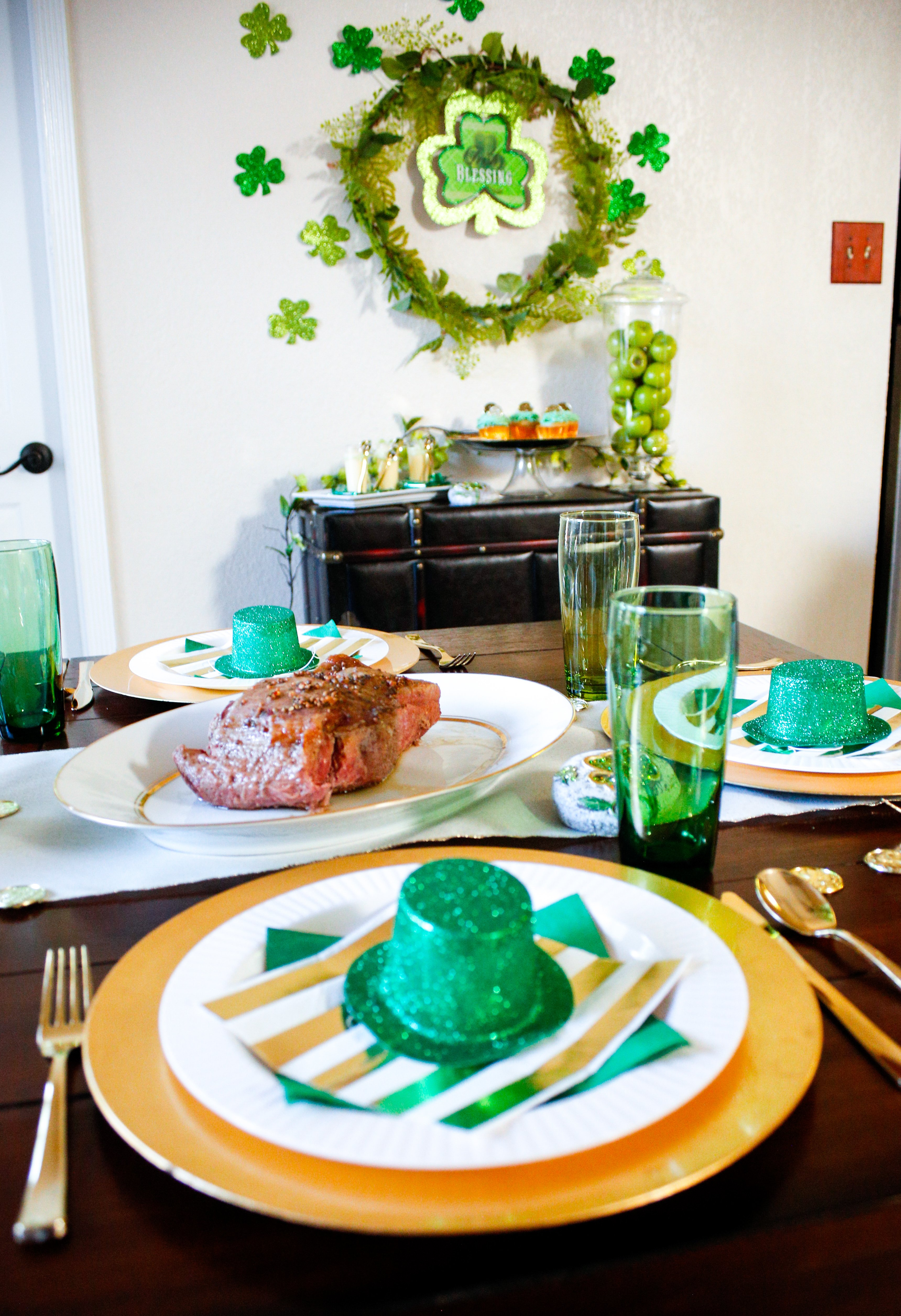 Decorating and menu ideas for a super fun St. Patrick's day dinner party