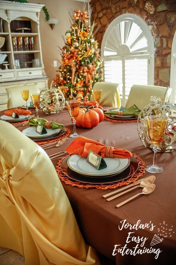 Thanksgiving decoration ideas including a thankful tree and how to set a Thanksgiving table