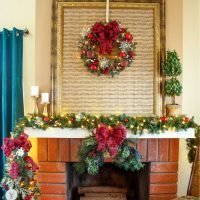 Red Traditional Christmas Fireplace Decor