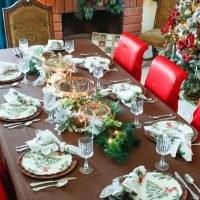 Woodland Christmas Tablescape Ideas