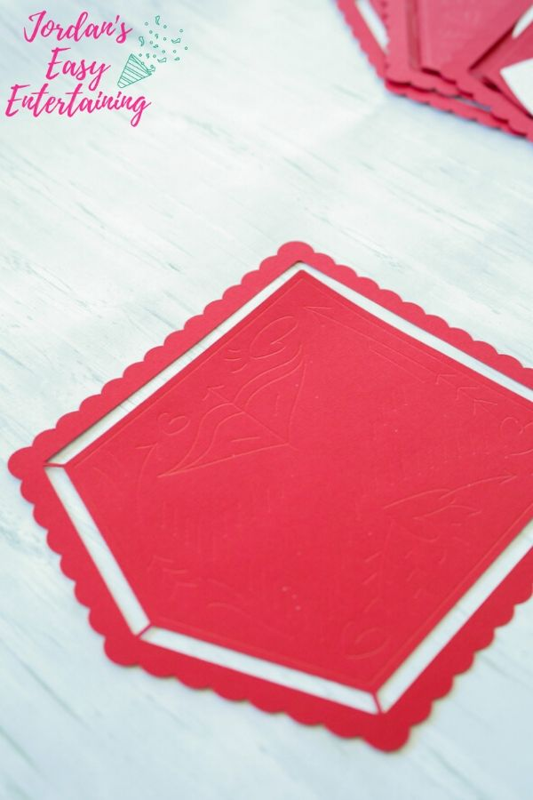 a simple Valentine craft made of paper