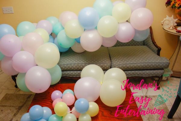 how many balloons do you need for a homemade balloon garland