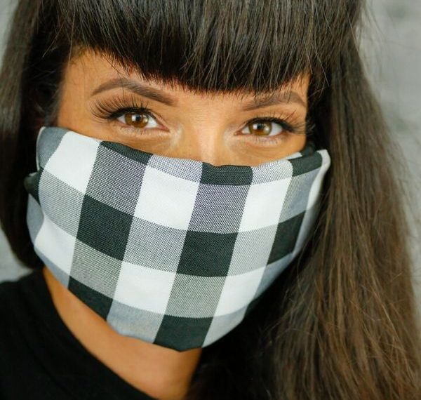 a quick and easy no sew face mask with filter in under 30 seconds