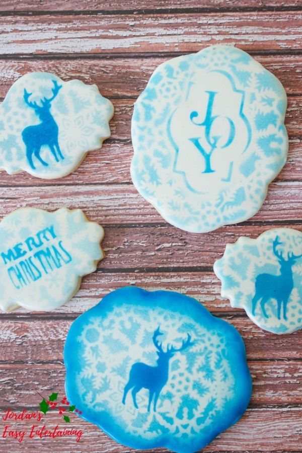 stenciled Christmas cookies